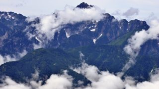 唐松岳山頂から見る剣岳