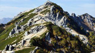 奇石の燕岳