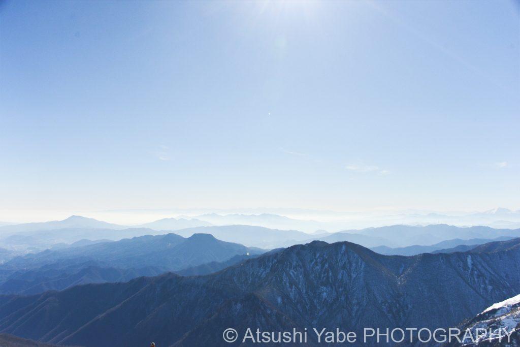 谷川岳から望む山々