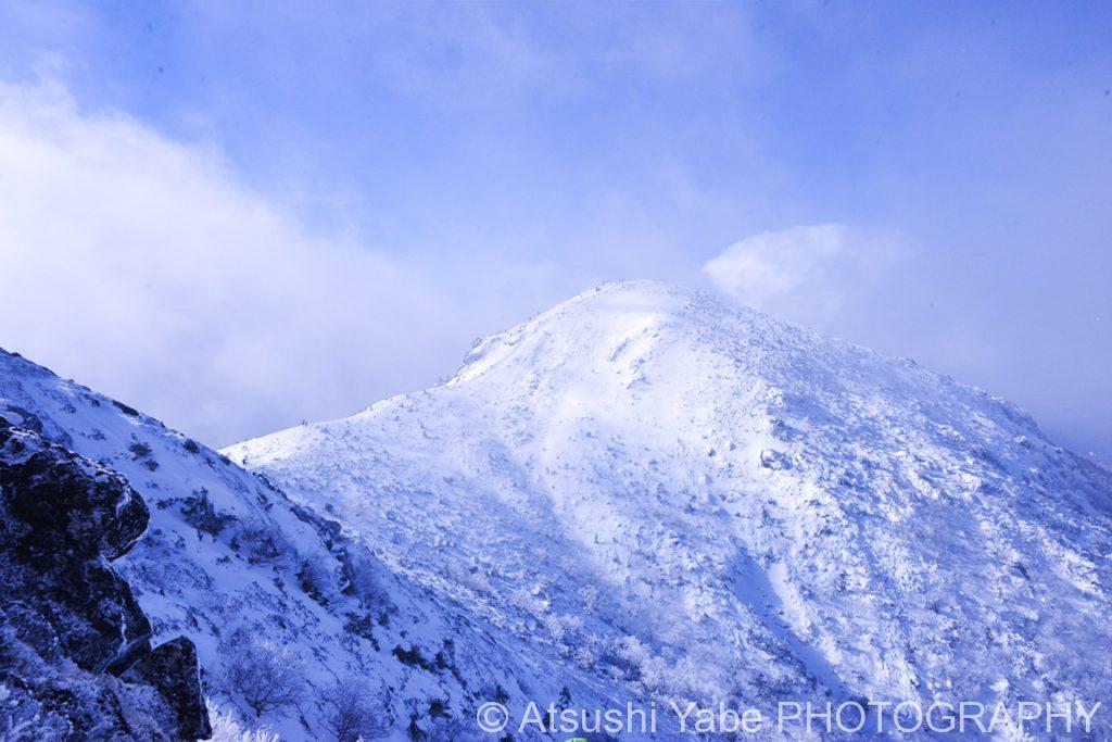 真冬の天狗岳登山 山頂を見つめて