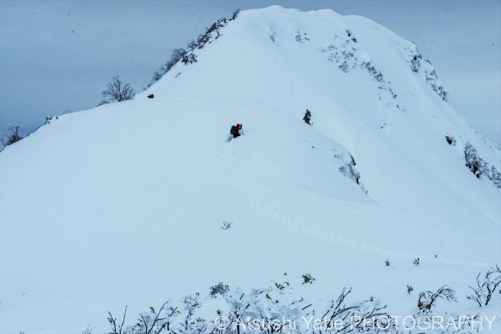 真冬の厳しい登山