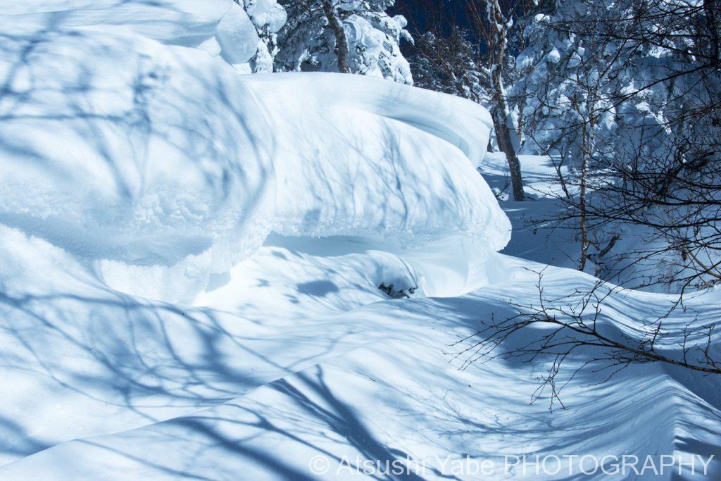 降り積もった雪・・・冬の登山道
